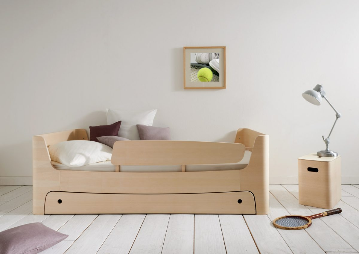 Mild & Wild: furniture for children and teenager in ash look